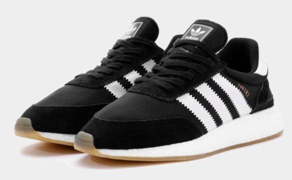 Фото Adidas Iniki Runner Boost черно-белые - 1