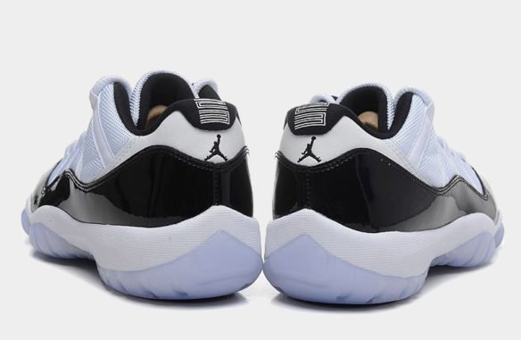 Фото Air Jordan 11 Retro Concord Low черно-белые - 1
